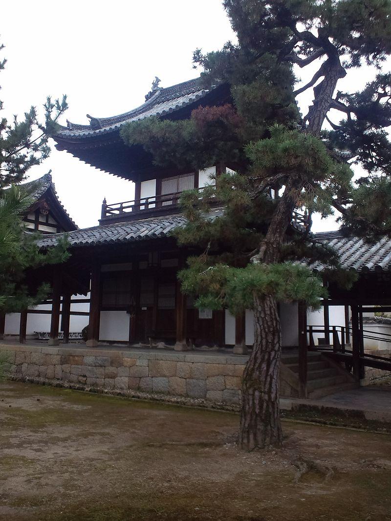 Ôbaku-san_Manpuku-ji_Buddhist_Temple_-_Bell_tower.jpg