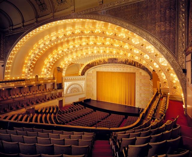 Аудиториум в Чикаго (1887—1889 гг.) .Л.Салливен, интерьер.jpg
