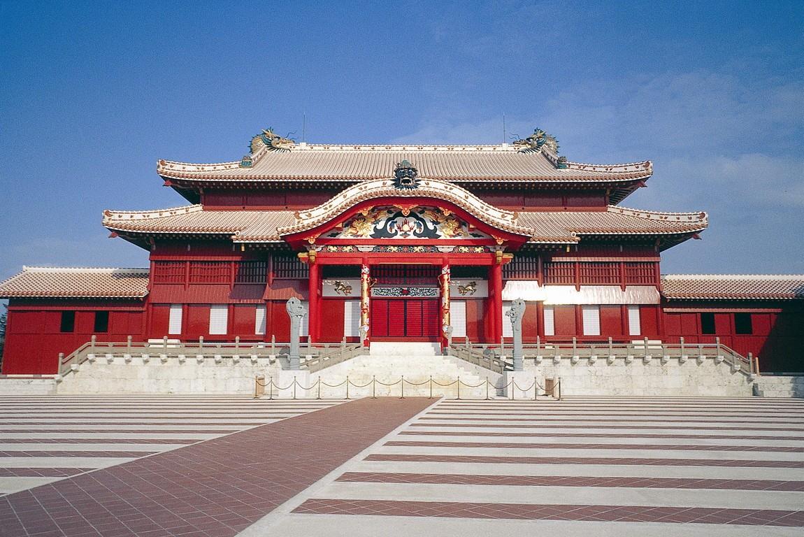 Замок_Сюри,_Наха,_Окинава.jpg