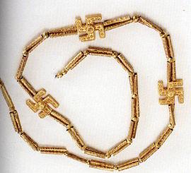Иранское ожерелье I тысячелетия до н. э., найденное при раскопках в Гилянe.jpg
