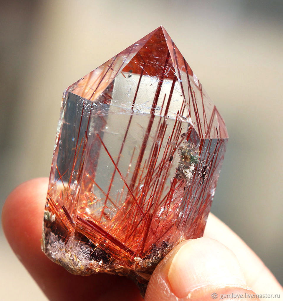 Кристалл кварца.jpg