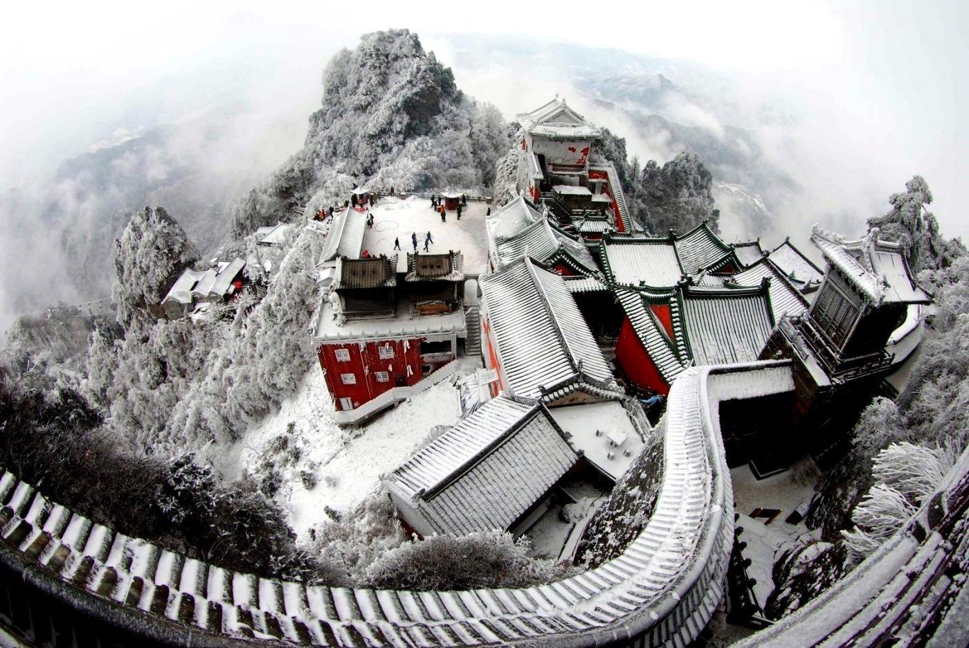 Строения-монастырей-Уданшань.jpg