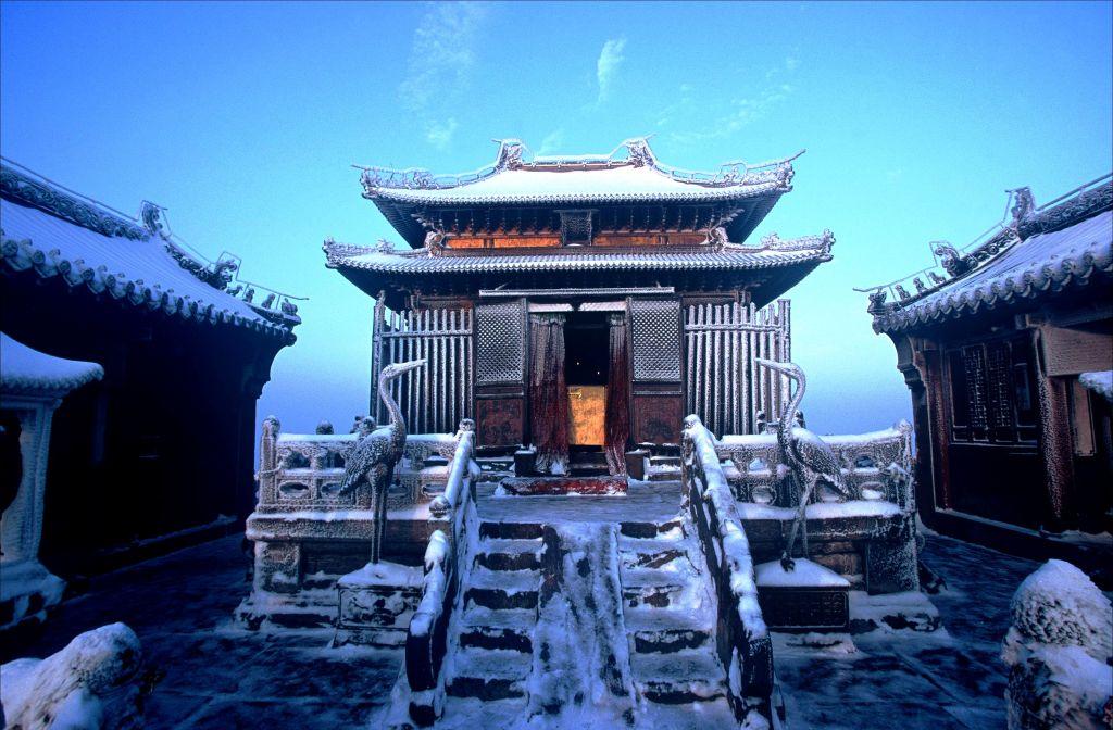 Храм-горы-Удан.jpg
