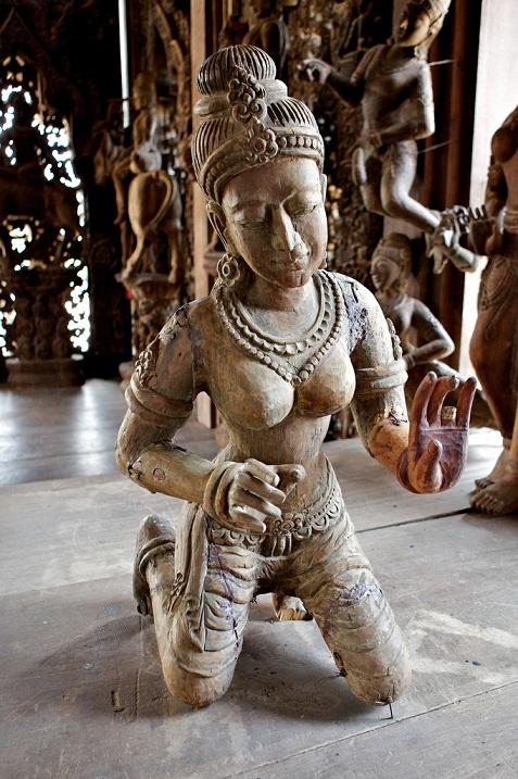 Храм истины в Паттайе, Тайланд (10).jpg
