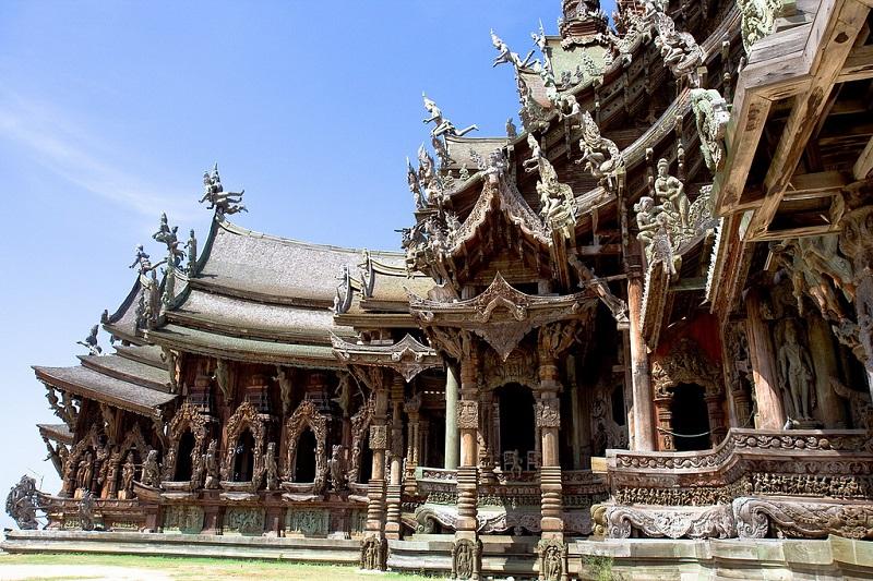 Храм истины в Паттайе, Тайланд (2).jpg