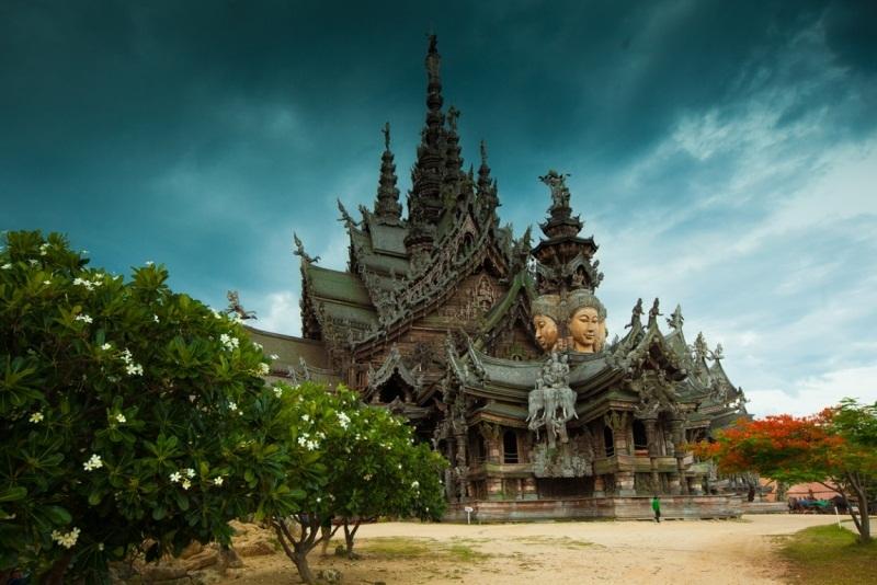 Храм истины в Паттайе, Тайланд (4).jpg
