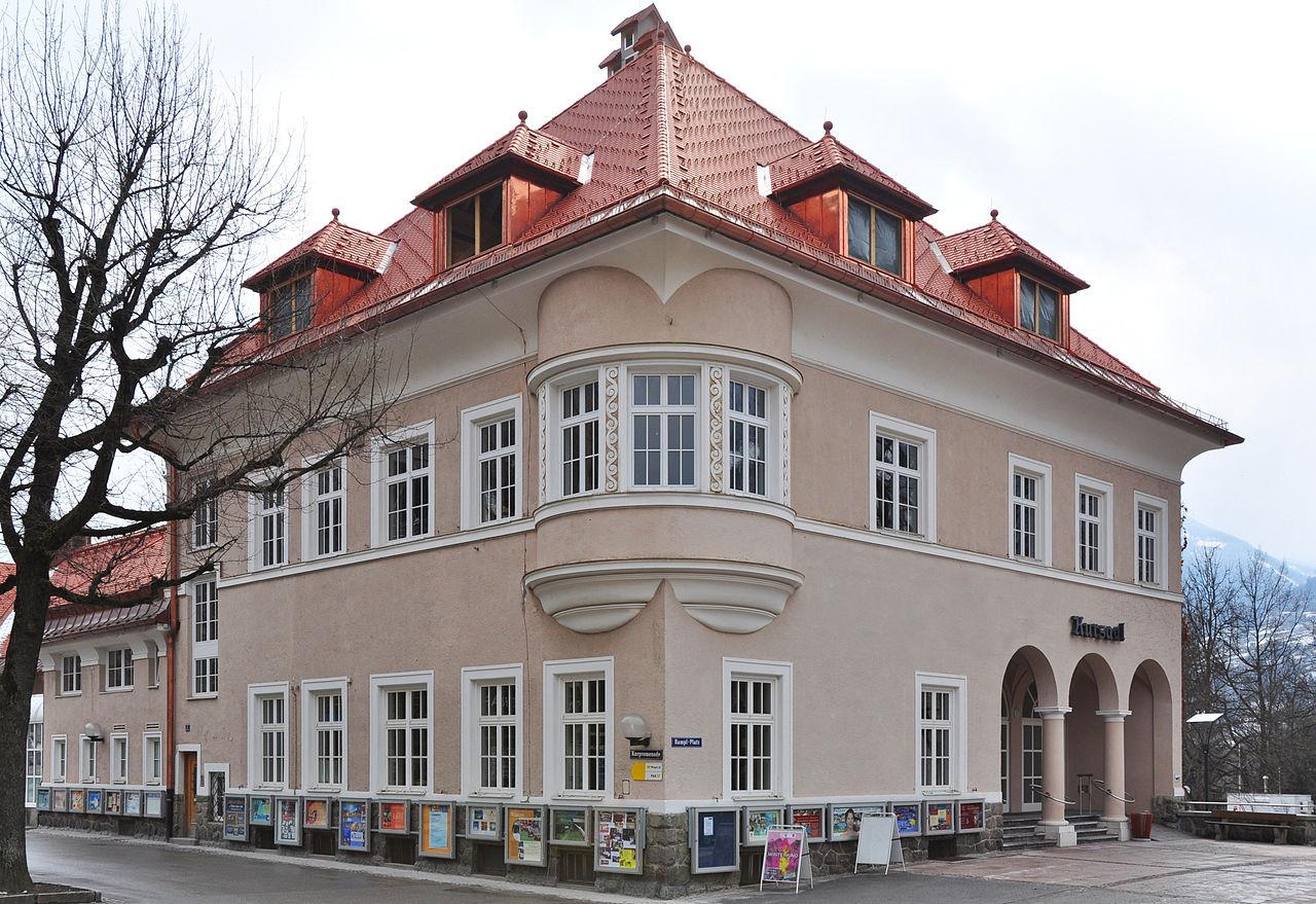 авст1280px-Kurhaus_und_Gemeindeamt_Bad_Hofgastein.jpg