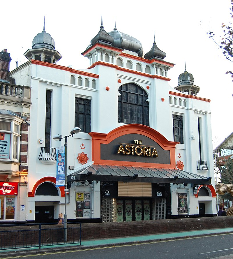 анггx-The_Astoria,_37–39_Guildhall_Walk,_Portsmouth_(NHLE_Code_1385023)_(November_2017)_(3).jpg