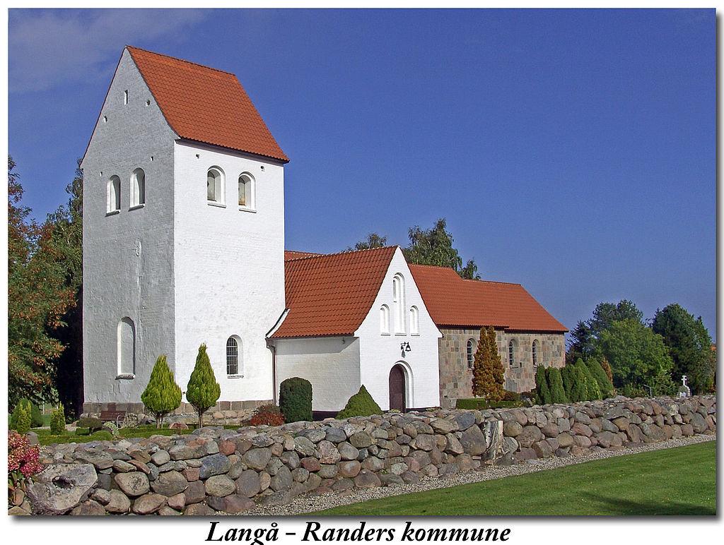 дан1024px-Langå_kirke_(Randers).jpg