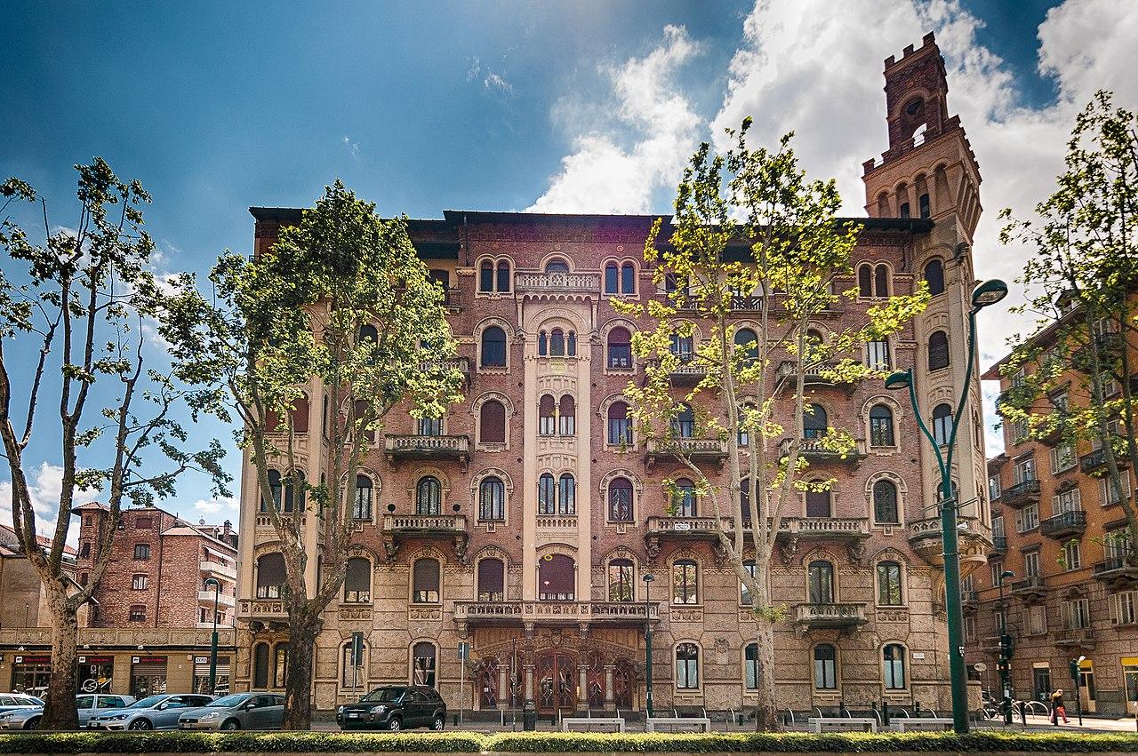 ит1280px-Palazzo_della_Vittoria_-_panoramio.jpg