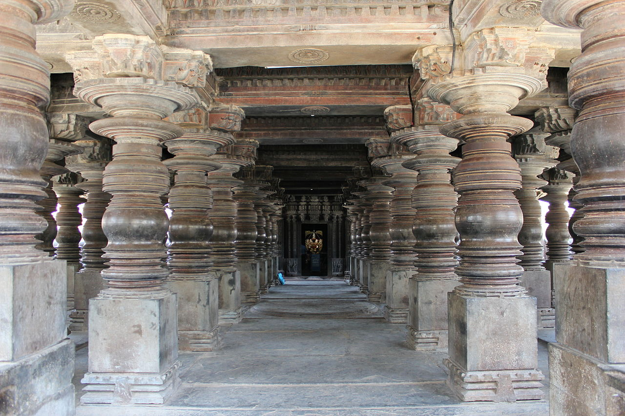 карнатик 1224 хойсала_Harihareshwara_temple_at_Harihar.JPG