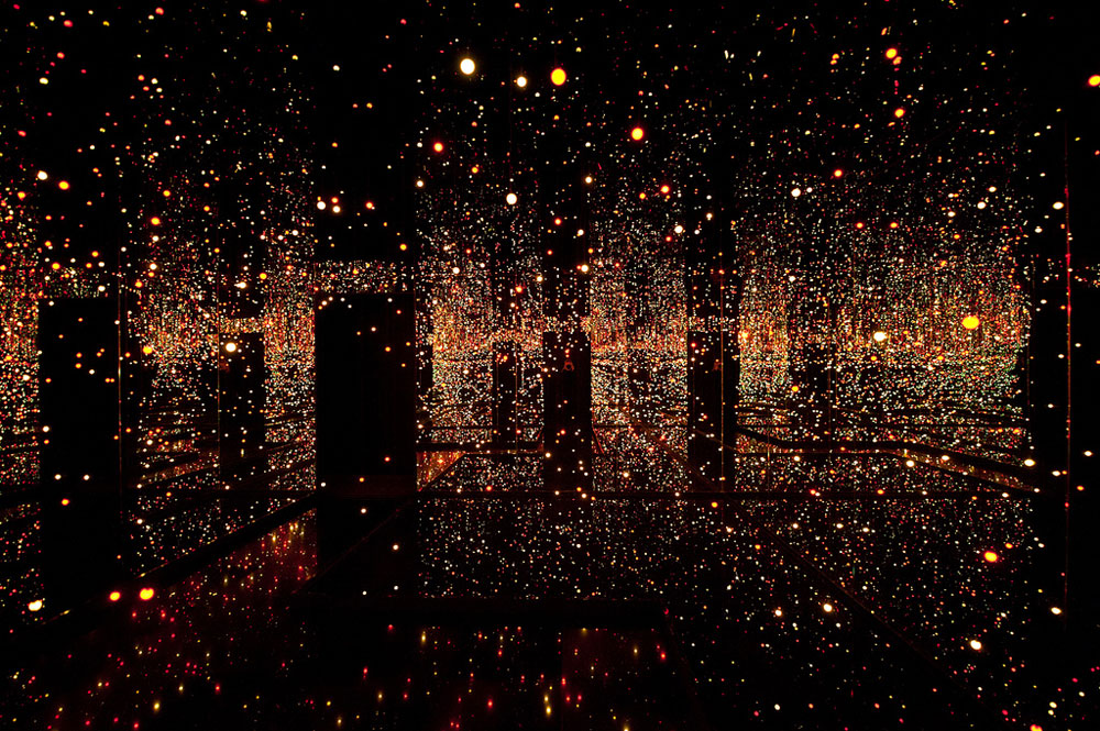 кусамаnew-mirrored-infinity-rooms-new-york-97103.jpg