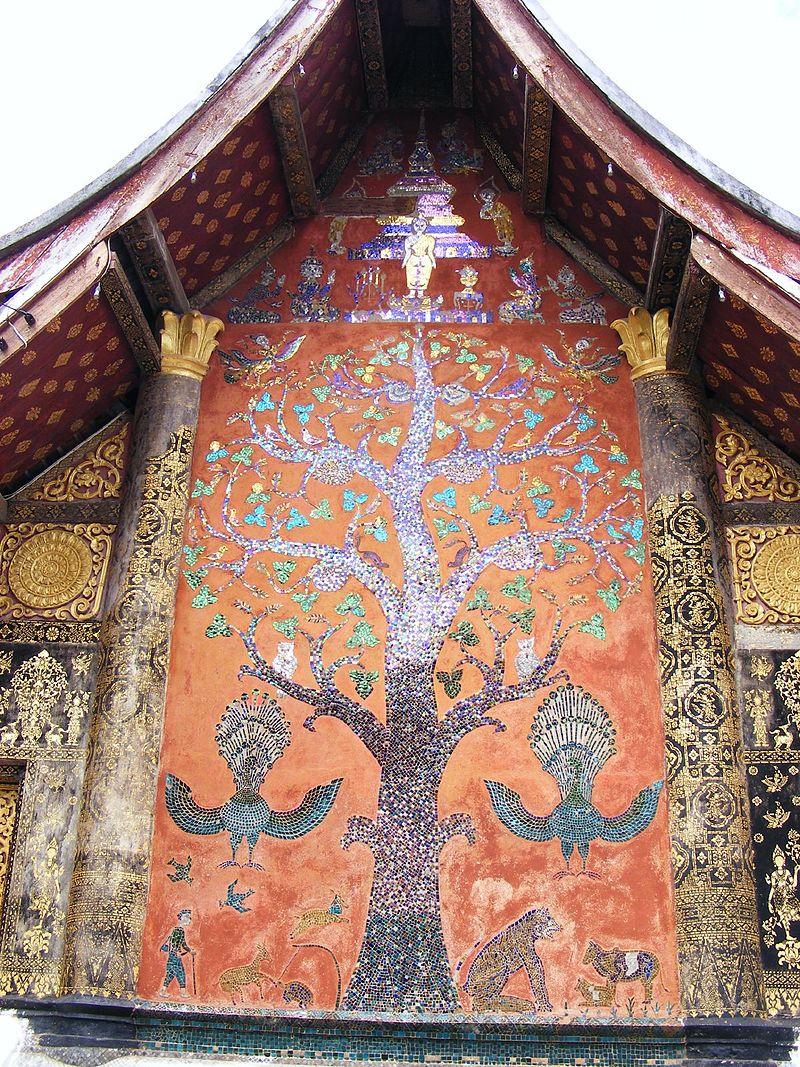 лаоkfTree_of_Life_mosaic,_Wat_Xieng_Thong.jpg