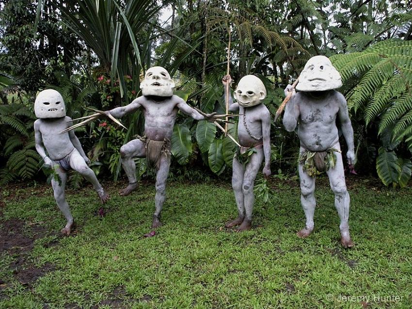 папуасы грязевые люди Асаро фото (10).jpg
