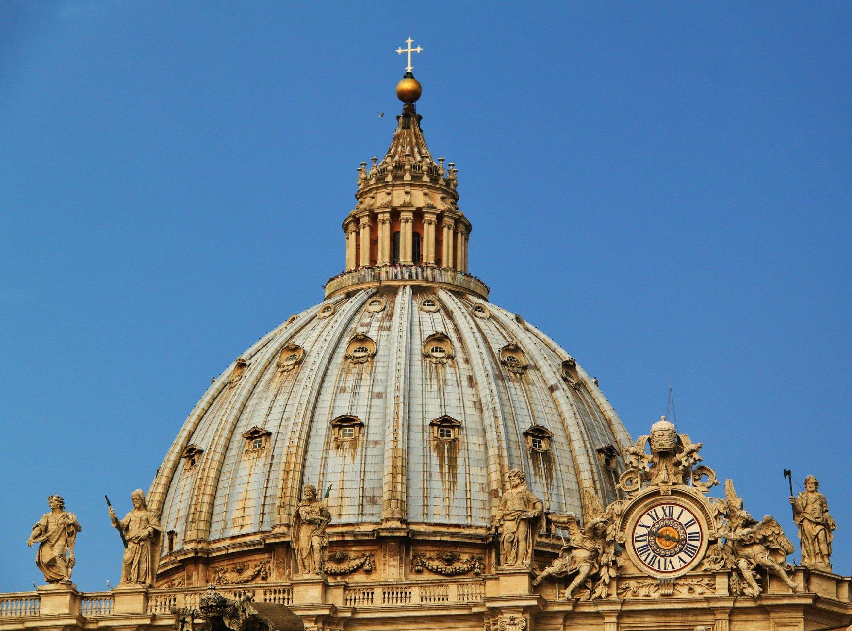 рим Купол_собора_Святого_Петра_в_Ватикане.jpg