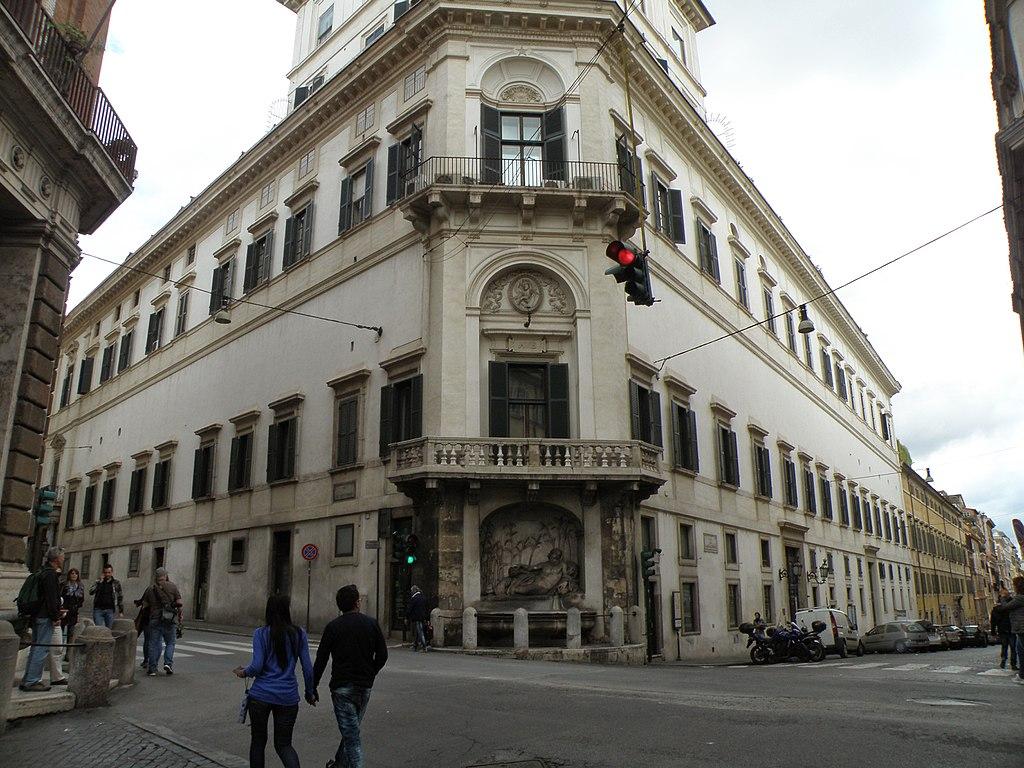 рим1024px-Rione_XVIII_Castro_Pretorio,_Roma,_Italy_-_panoramio_(26).jpg