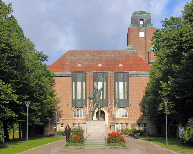 саар 11 Lahti_city_hall.jpg