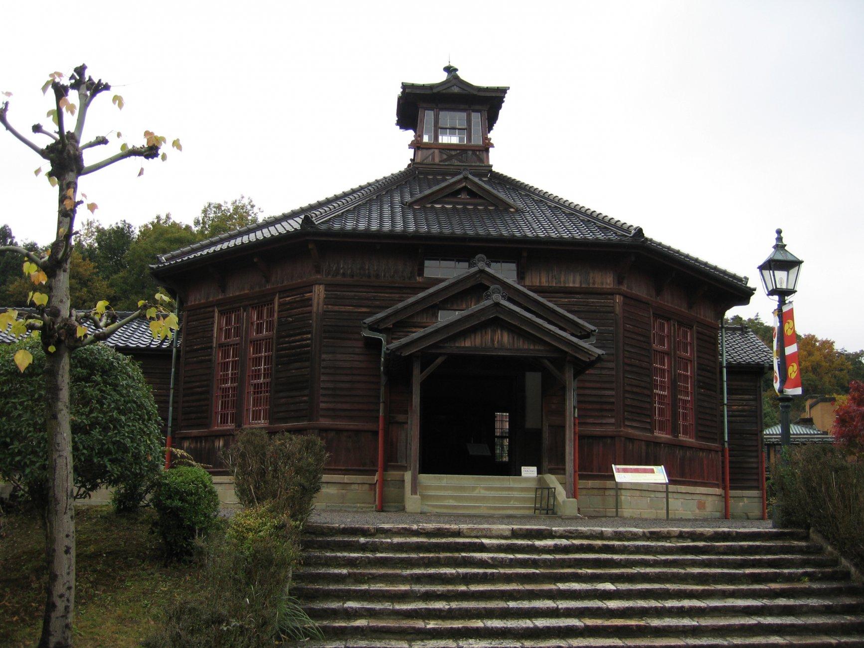 -тюрьмаJrb_20061120_Meiji_Mura_004.JPG