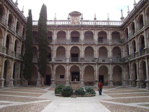 университет в Алькала-де-Энаресalcala-3.jpg