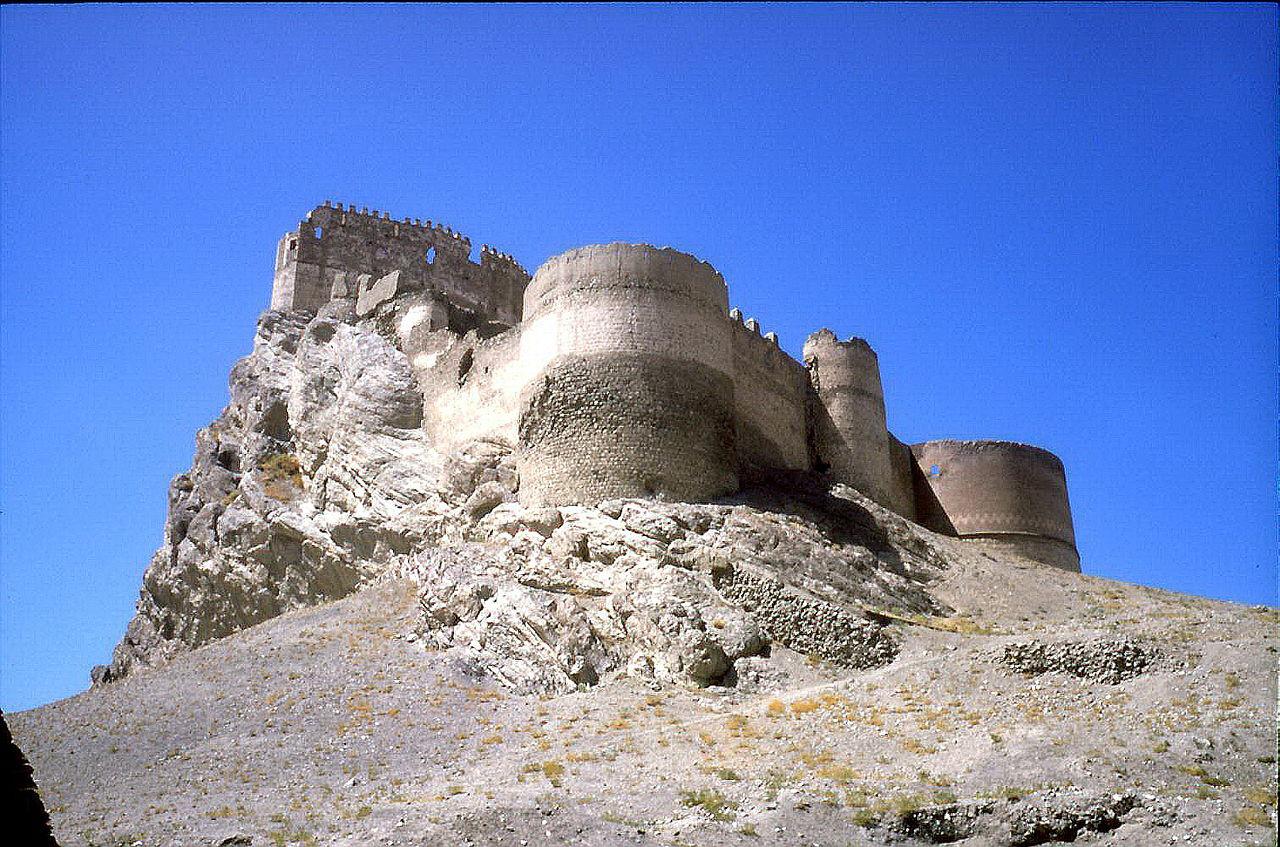 хошап 17 векHosap-castle_(17).jpg
