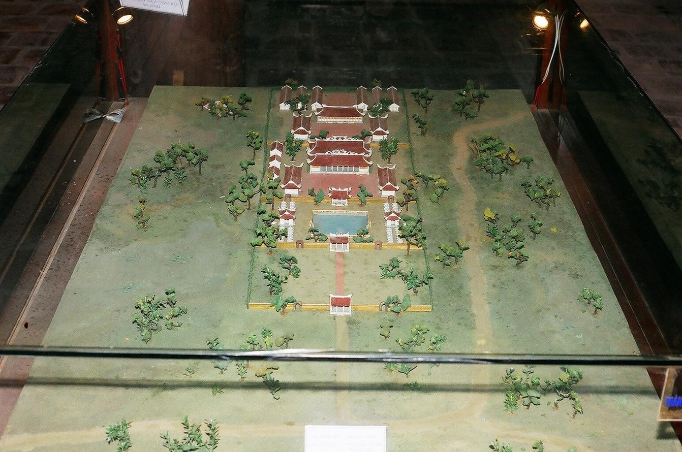 храм литер ханойп Văn_Miếu_-_Quốc_Tử_Giám_xưa.jpg