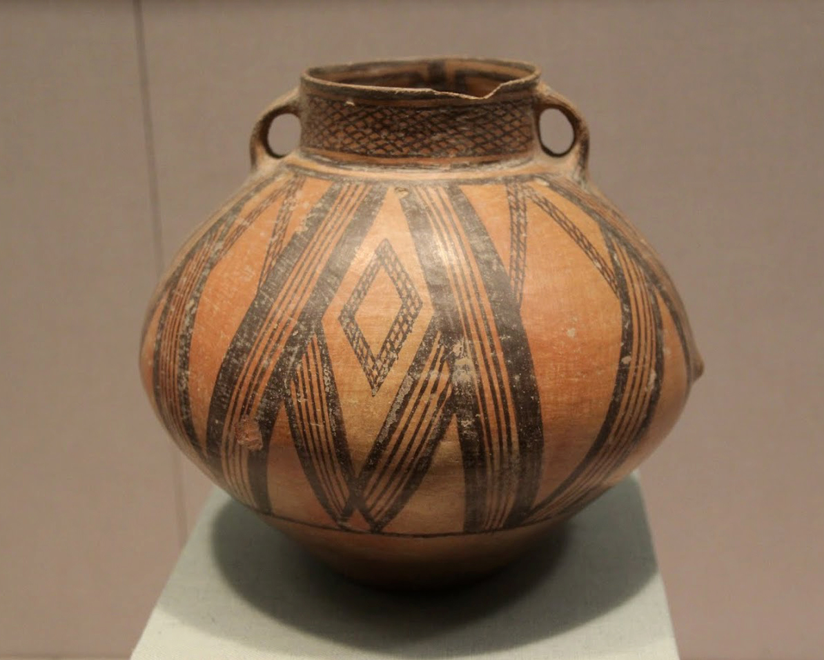 цицзяPainted_pottery_jar,_Qijia_Culture,_2100-1700_BC.jpg