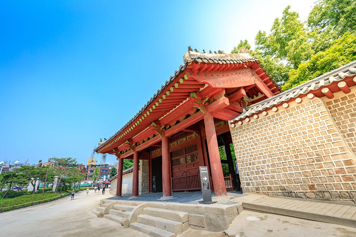 чонмё Jongmyo1.jpg