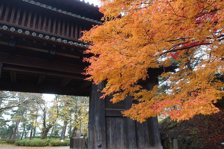 弘前城_autumn2017_hirosaki2.jpg