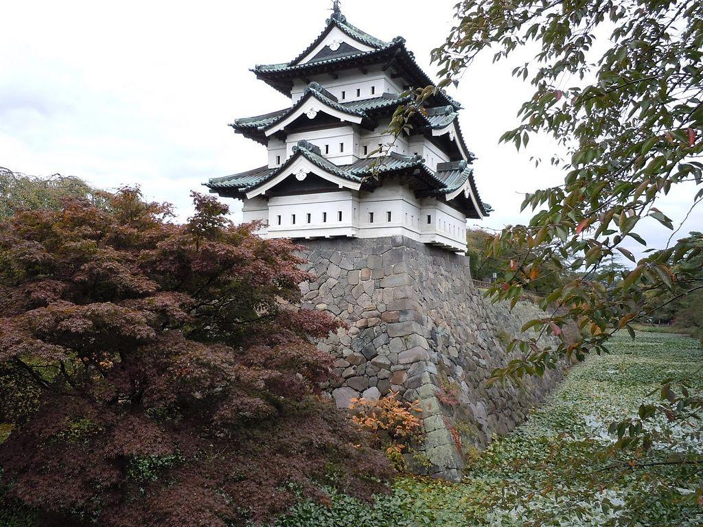 弘前城_Hirosaki_Castle_-_panoramio_(1).jpg