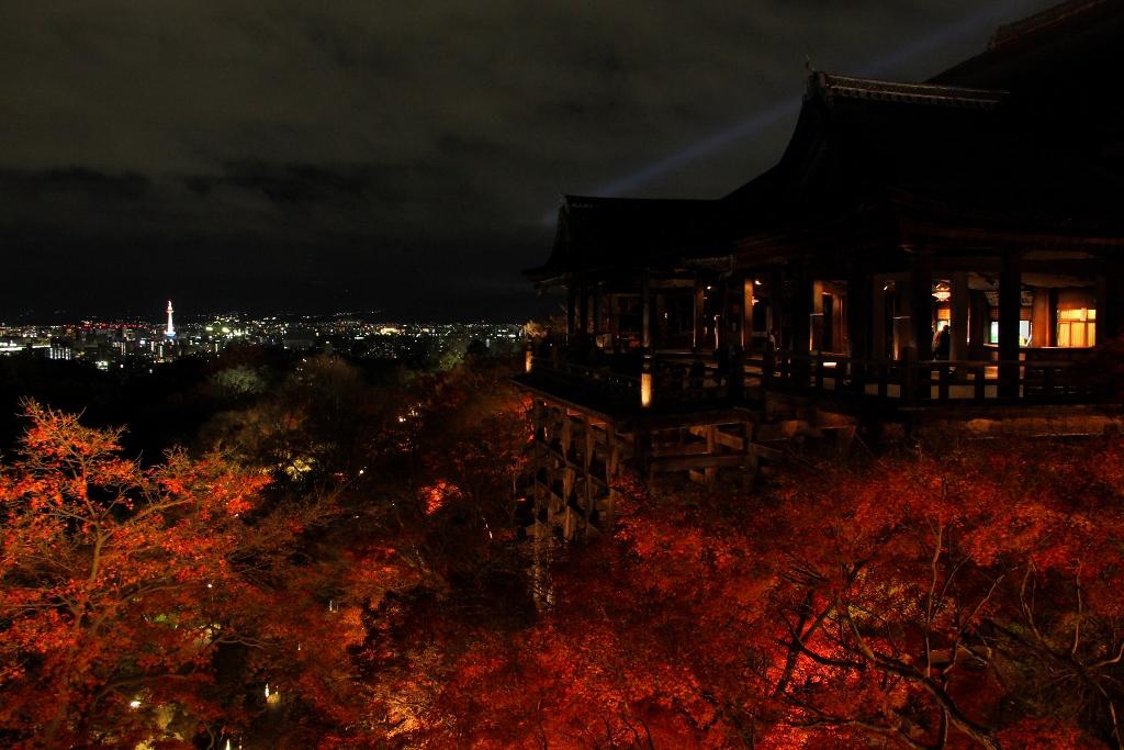 清水寺~舞台_ライトアップ_-_panoramio.jpg