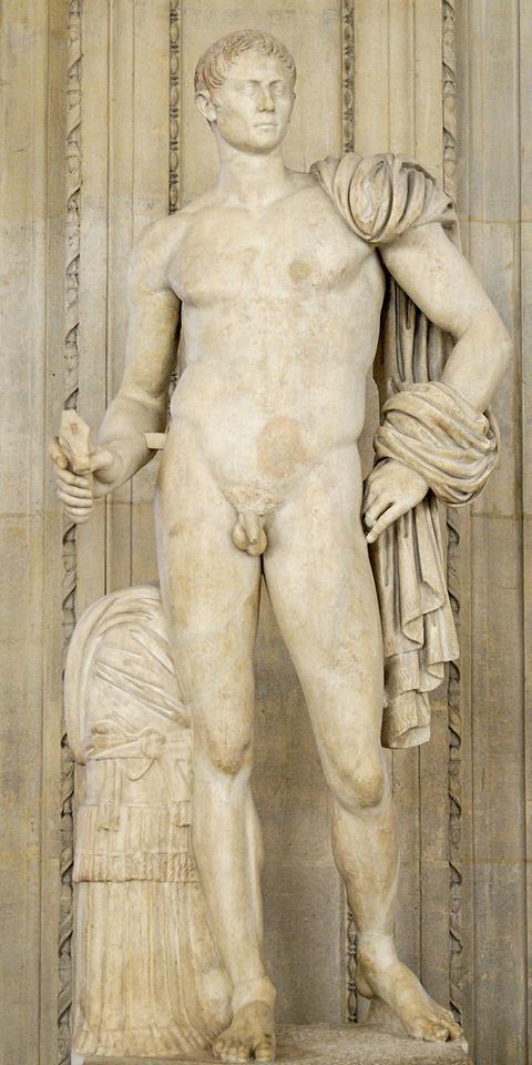 1до Heroic_statue_Octavius_Louvre_Ma1251.jpg