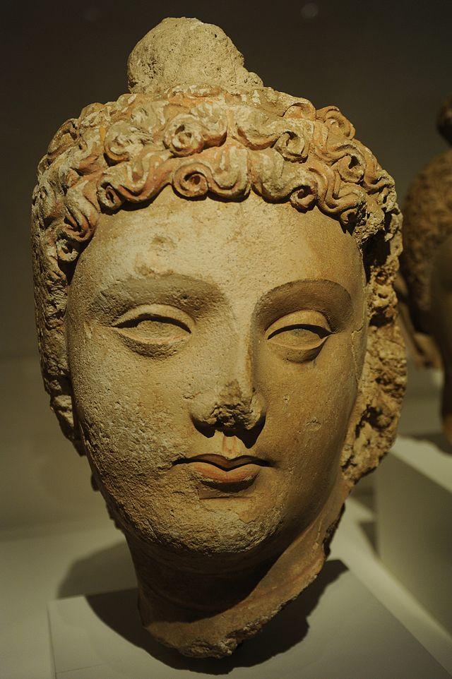 1-2d640px-Gandhara_Buddha.jpg