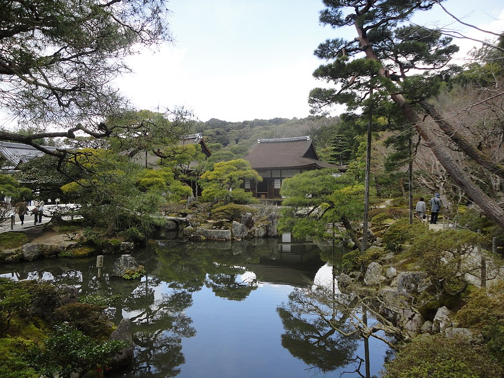 1024px-銀閣寺_-_panoramio_(8).jpg