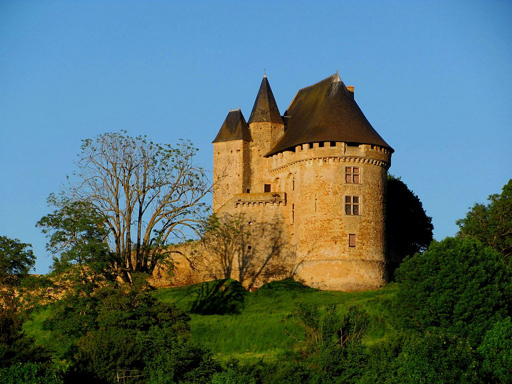 1024px-Ballon_chateau.JPG