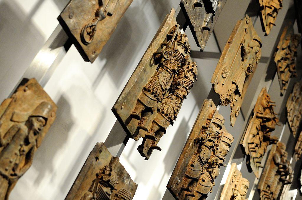 1024px-Benin_Bronzes_(Plaques).jpg