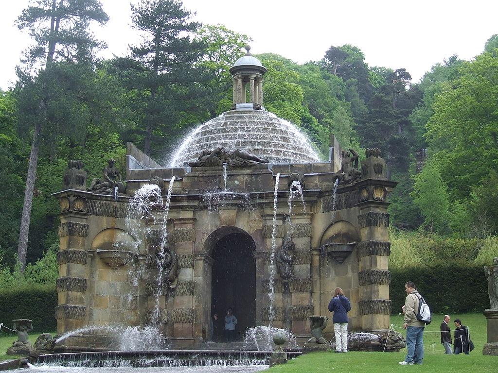 1024px-Cascade_House_Chatsworth_Derbyshire_UK.JPG