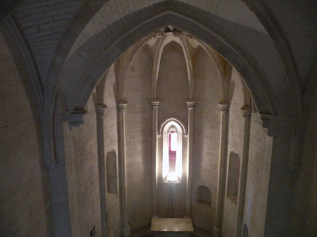 1024px-Château_de_Tarascon_-_grande_chapelle_02.JPG