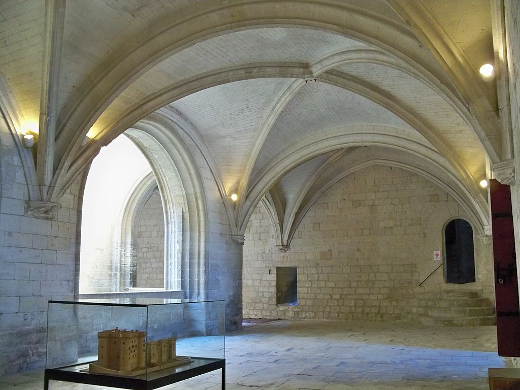 1024px-Chateau_Tarascon_-_Gallerie.jpg