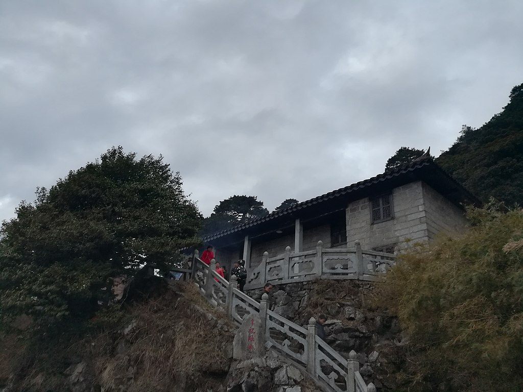 1024px-Gaotai_Temple_(Mount_Heng),_2018030103.jpg