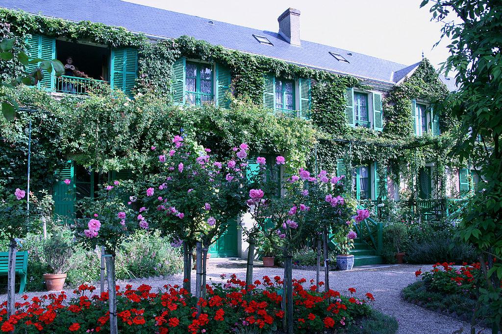 1024px-Giverny_-_Maison_Monet_(3).JPG
