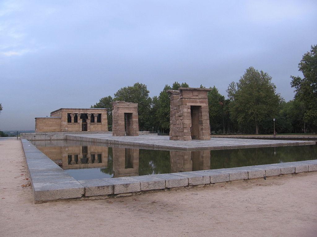1024px-Madrid_Temple_of_Debod.JPG