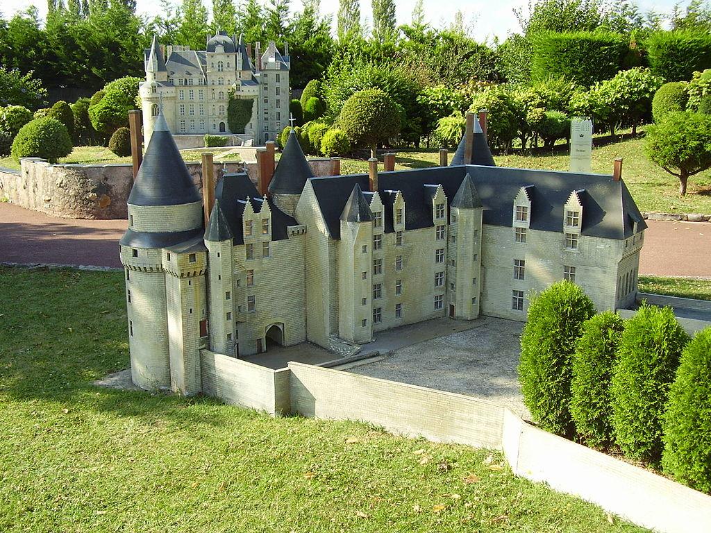 1024px-Mini-Châteaux_Val_de_Loire_2008_436.JPG