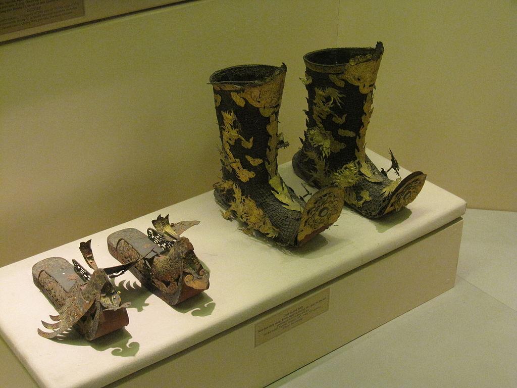 1024px-National_Museum_Vietnamese_History_69.jpg