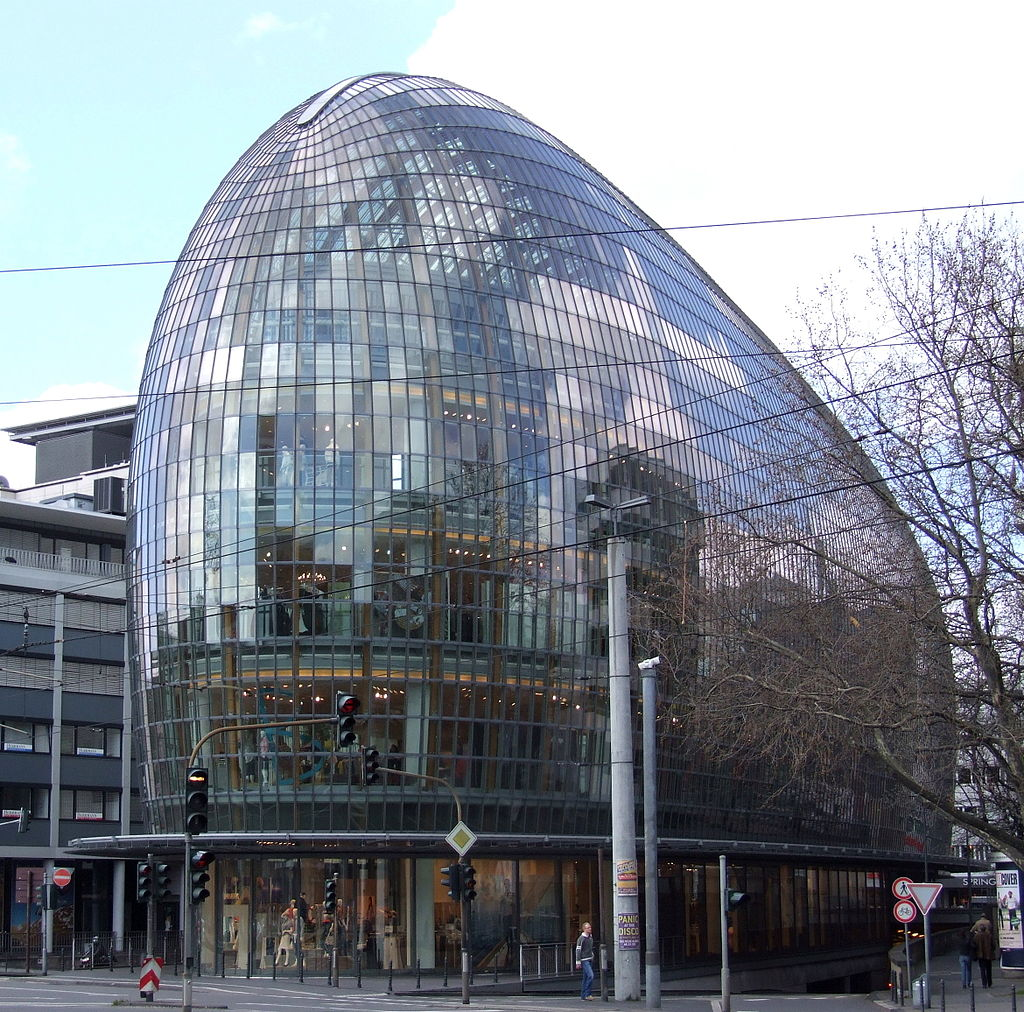1024px-P_und_C_Weltstadthaus_Koeln.jpg