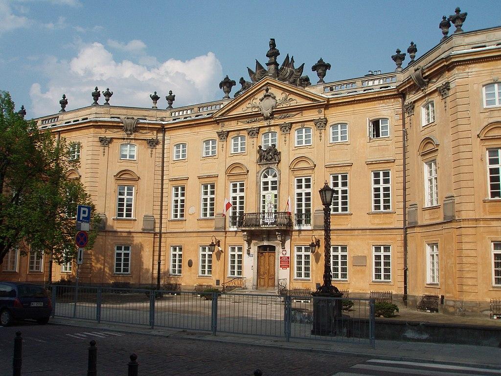 1024px-Pałac_Sapiehów_-_panoramio_(1).jpg