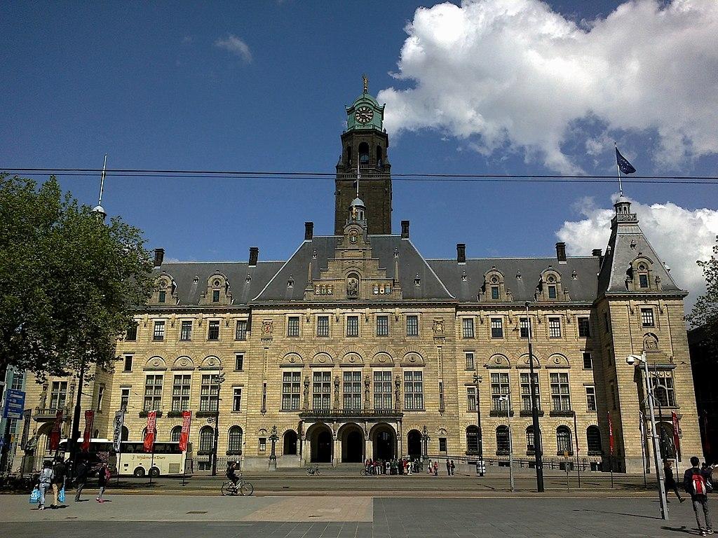 1024px-Pays-Bas_Rotterdam_Stadhuis_-_panoramio.jpg