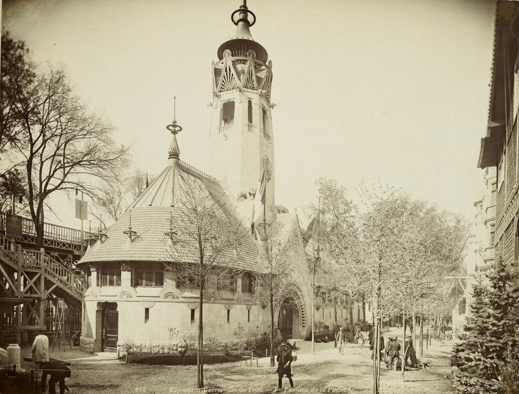 1024px-Photograph_of_the_Finnish_pavilion_at_Exposition_Universelle_(1900).jpg
