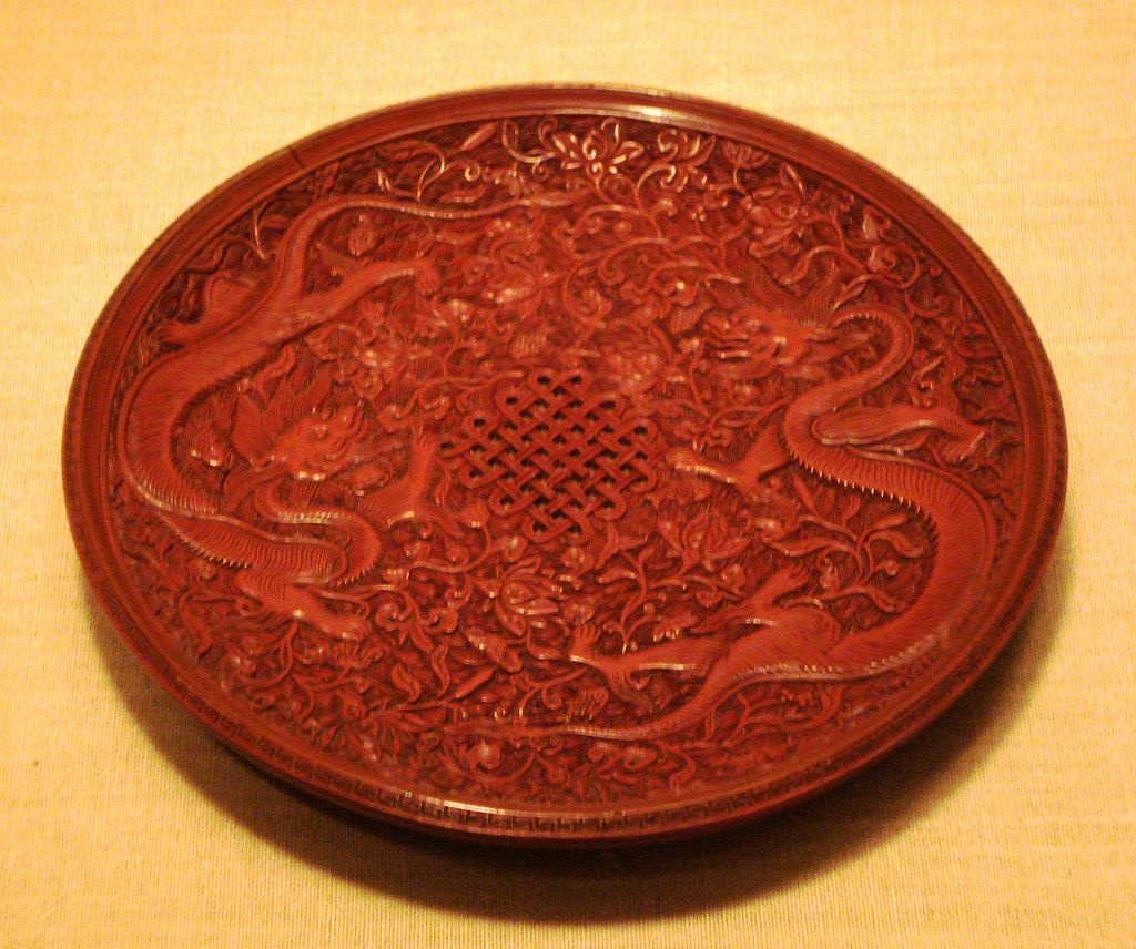 1024px-Red_lacquerware_dish,_Ming_Dynasty (1).jpg