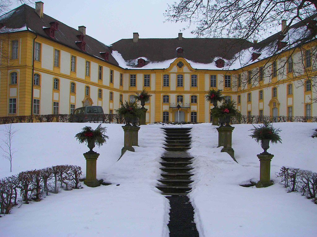 1024px-Rentweinsdorf_Schloss.JPG
