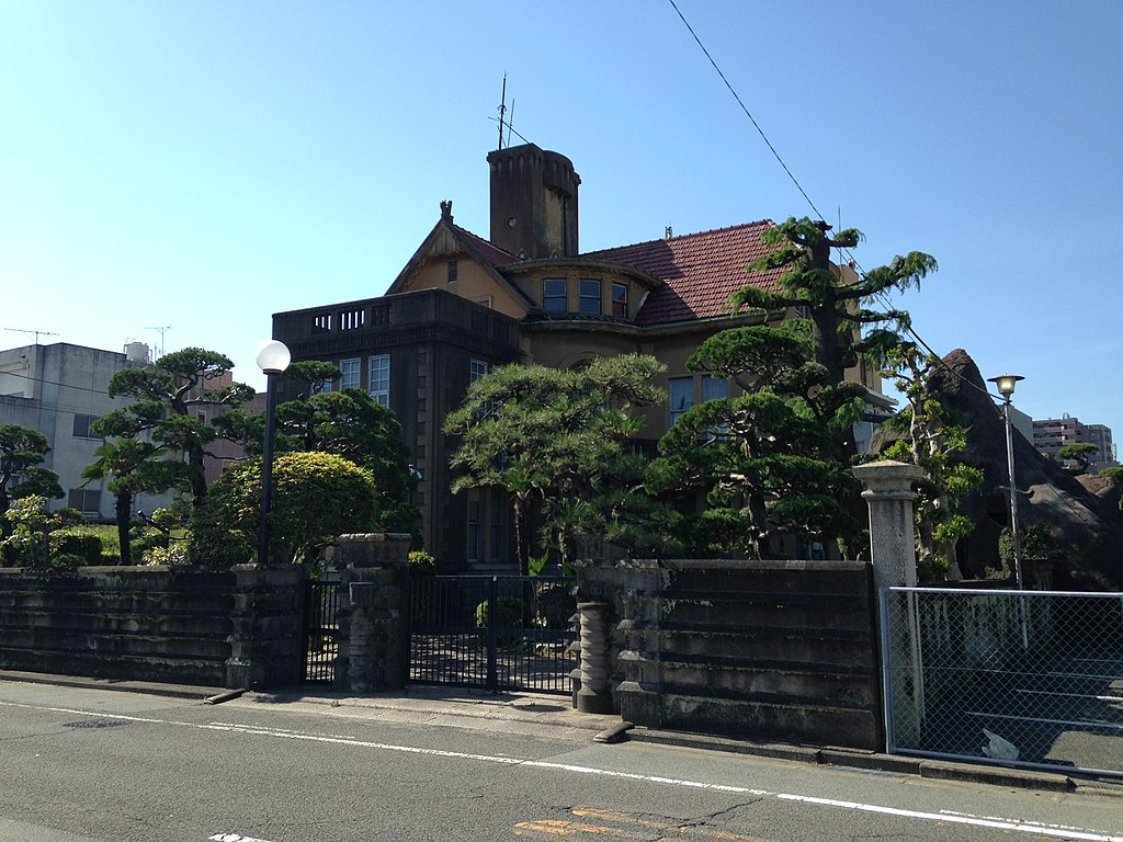 1024px-Residence_of_Mikawa_Family_20160505.JPG